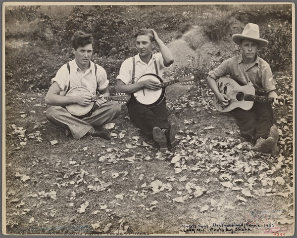 Ben Shahn - Members of the Musgrove family, Westmoreland County, Pennsylvania 1935 http://digitalcollections.nypl.org/items/1bc6e680-da36-0132-21cd-58d385a7bbd0